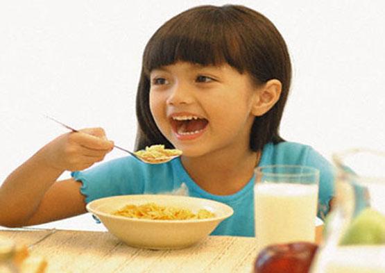 10 Nguyên Tắc Vàng Giúp Trẻ Hết Biếng Ăn