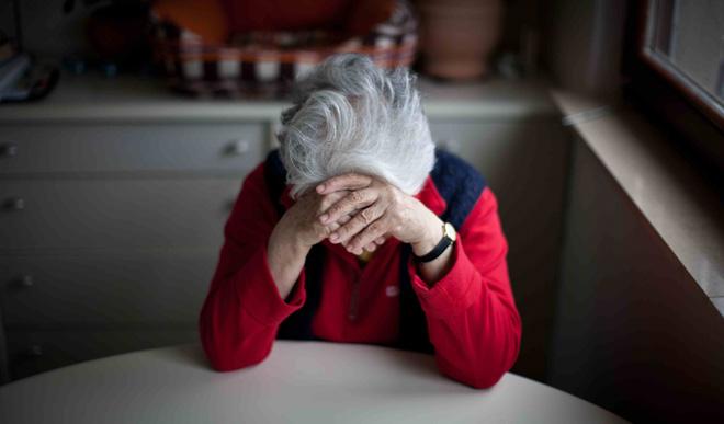 Hệ miễn dịch dễ suy yếu ở người già